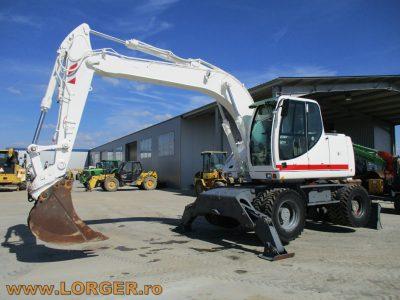 Excavator pe pneuriCase WX 145